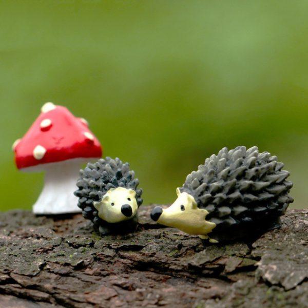 Artificial mini hedgehog miniatures fairy garden moss terrarium resin crafts