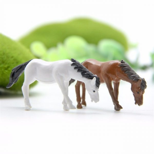 2PCs/set Horse family pack Simulation model Animals kids toys Mini Gnomes Moss
