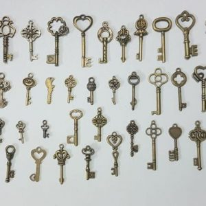 40 pcs Retro Antique Bronze Key Different Style Creative Decorative DIY Keys Pendant Jewelry Accessories Home Decoration