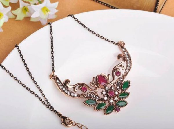 Retro Necklace on clicknorder pakistan online shoping
